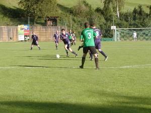 Arian Steiner von der DJK Welschensteinach bereitete den ersten Treffer gegen den SV Mühlenbach vor...
