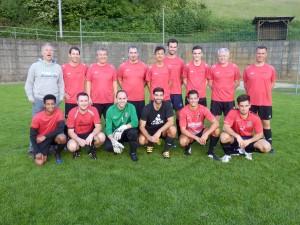 """Im Herrenfinale setzten sich die """"Bachdatscher"""" (hintere Reihe) gegen den Titelverteidiger """"FC Meiwa"""" durch."""