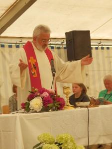 Pfarrer Helmut Steidel sprach beim Gottesdienst über die Gemeinsamkeiten von Glaube und Sport