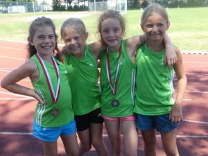 Emma Göhringer, Maja Rohkohl, Lara Klausmann und Mia Frick waren für die DJK Welschensteinach bei den Leichtathletik-Kreiseinzelmeisterschaften in Offenburg am Start.